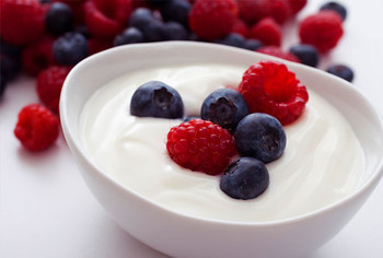 Istock_photo_of_yogurt_and_fruit